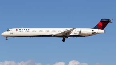 N960DN - McDonnell Douglas MD-90-30 - Delta Air Lines
