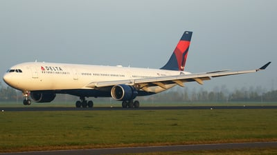 N812NW - Airbus A330-323 - Delta Air Lines