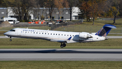 A picture of N518LR - Mitsubishi CRJ701ER - United Airlines - © DJ Reed - OPShots Photo Team
