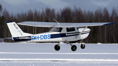 OH-DBS - Cessna 150F - Private