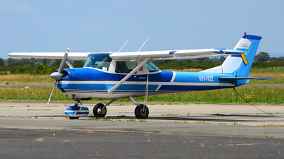VH-RZL - Cessna 150G - Private