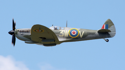 G-CKUE - Supermarine Spitfire Mk.XVI - Private