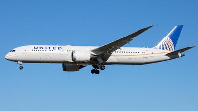 A picture of N35953 - Boeing 7879 Dreamliner - United Airlines - © _Hooooo__