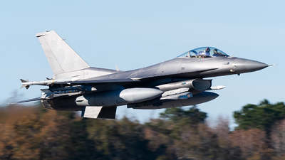 89-2017 - General Dynamics F-16CG Fighting Falcon - United States - US Air Force (USAF)