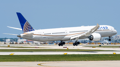 A picture of N17002 - Boeing 78710 Dreamliner - United Airlines - © Haocheng Fang