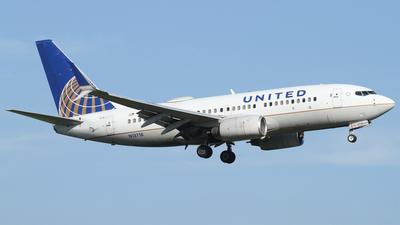 N13718 - Boeing 737-724 - United Airlines