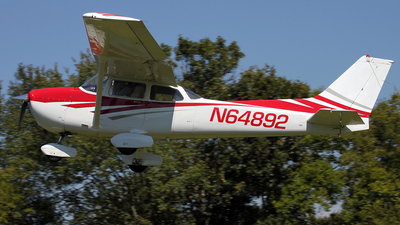 A picture of N64892 - Cessna 172P Skyhawk - [17275644] - © Kevin Porter