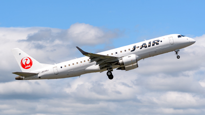 A picture of JA248J - Embraer E190STD - Noble Air Charter - © Tsumugu Ono
