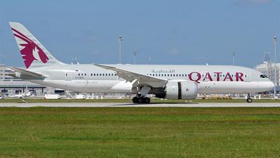 A picture of A7BDC - Boeing 7878 Dreamliner - Qatar Airways - © Hugo Schwarzer
