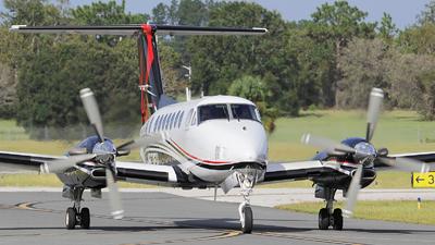 A picture of N871EU - Beech B300 Super King Air 350 -  - © Orlando Suarez
