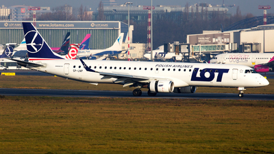 SP-LNP - Embraer 190-200LR - LOT Polish Airlines