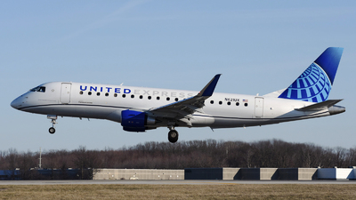 A picture of N621UX - Embraer E175LL - United Airlines - © DJ Reed - OPShots Photo Team