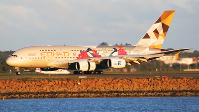 A picture of A6APD - Airbus A380861 - Etihad Airways - © Mark H