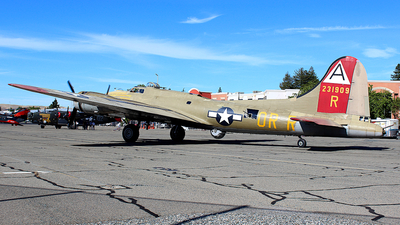 N93012 - Boeing B-17G Flying Fortress - United States - US Air Force (USAF)