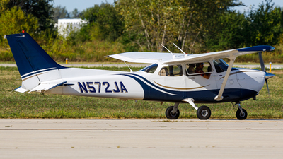 N572JA - Cessna 172S Skyhawk SP - Private