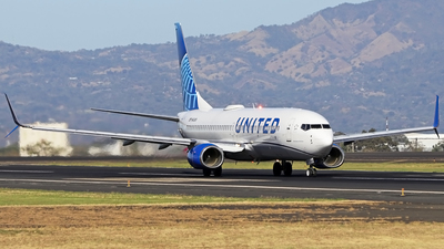 A picture of N14249 - Boeing 737824 - United Airlines - © Denis Gonzalez - Costa Rica Spotter