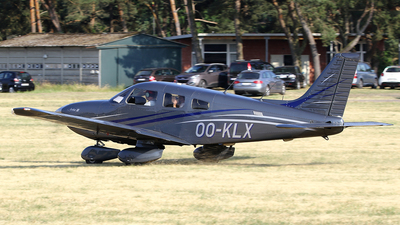 OO-KLX - Piper PA-28-181 Archer III - Private