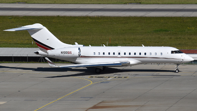 N100QS - Bombardier BD-700-1A11 Global 5000 - NetJets Aviation