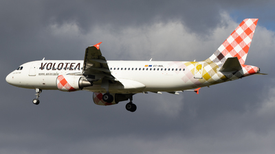 EC-NOL - Airbus A320-214 - Volotea
