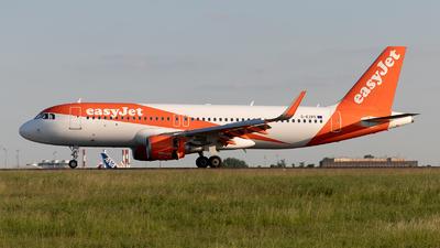 G-EZPE - Airbus A320-214 - easyJet