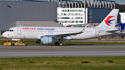 D-AXAH - Airbus A320-251N - China Eastern Airlines