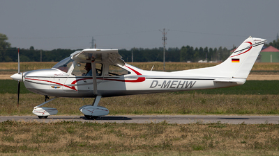 A picture of DMEHW - AirLony Skylane - [77] - © Fabrizio Gandolfo