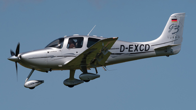 D-EXCD - Cirrus SR20-GTS - Private