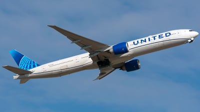 N2251U - Boeing 777-322ER - United Airlines