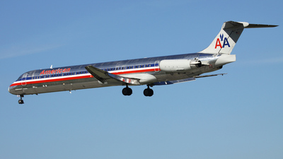 N9304C - McDonnell Douglas MD-83 - American Airlines