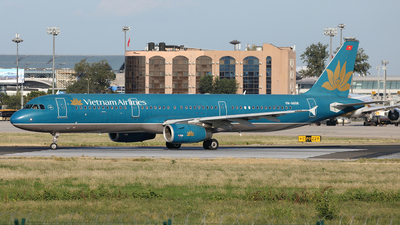 VN-A608 - Airbus A321-231 - Vietnam Airlines