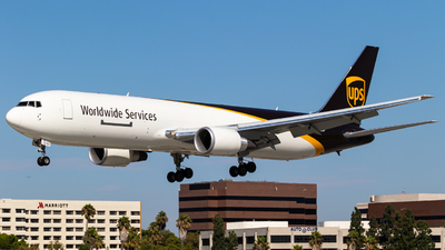 N368UP - Boeing 767-34AF(ER) - United Parcel Service (UPS)