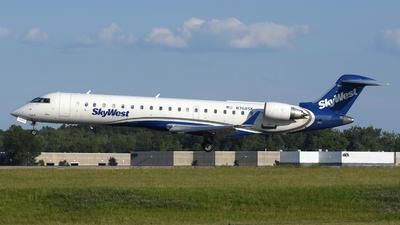 N768SK - Bombardier CRJ-701ER - SkyWest Airlines