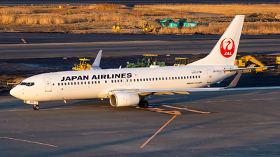 JA349J - Boeing 737-846 - Japan Airlines (JAL)