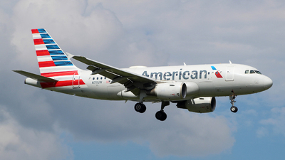 A picture of N711UW - Airbus A319112 - American Airlines - © wangruoyao