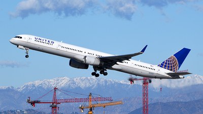 A picture of N57857 - Boeing 757324 - United Airlines - © Rocky Wang