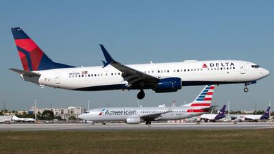 N875DN - Boeing 737-932ER - Delta Air Lines