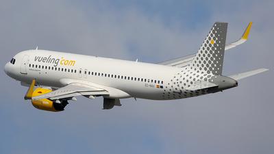 A picture of ECNAX - Airbus A320271N - Vueling - © Jorge Medina Mediavilla