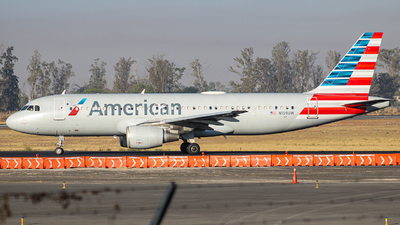 A picture of N109UW - Airbus A320214 - American Airlines - © Israel Polanco