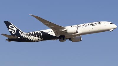 ZK-NZI - Boeing 787-9 Dreamliner - Air New Zealand