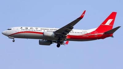 B-207G - Boeing 737-89P - Shanghai Airlines