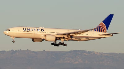 A picture of N772UA - Boeing 777222 - United Airlines - © Hongming Zheng