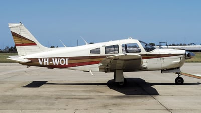 VH-WOI - Piper PA-28R-201 Arrow II - Private