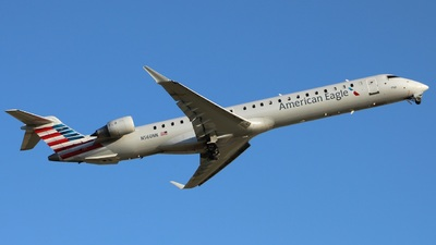 A picture of N560NN - Bombardier CRJ900LR - American Airlines - © Mr.Clutch11