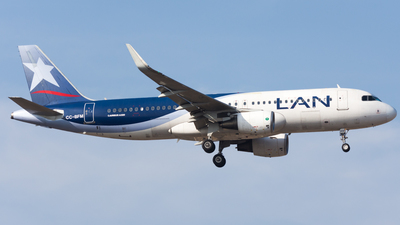 CC-BFM - Airbus A320-214 - LAN Airlines