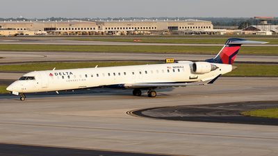 A picture of N910XJ - Mitsubishi CRJ900LR - Delta Air Lines - © Yixin Chen