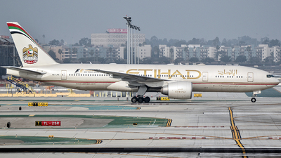 A6-LRB - Boeing 777-237LR - Etihad Airways
