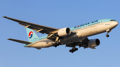 HL7766 - Boeing 777-2B5(ER) - Korean Air