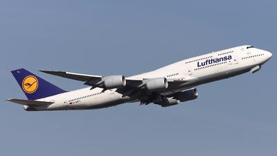 A picture of DABYL - Boeing 747830 - Lufthansa - © Domi Einert
