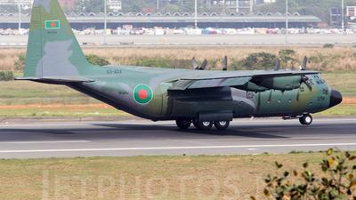58-0754 - Lockheed C-130B Hercules - Bangladesh - Air Force
