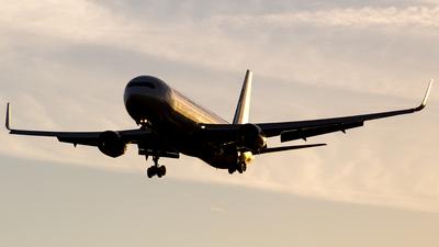 N660UA - Boeing 767-322(ER) - United Airlines